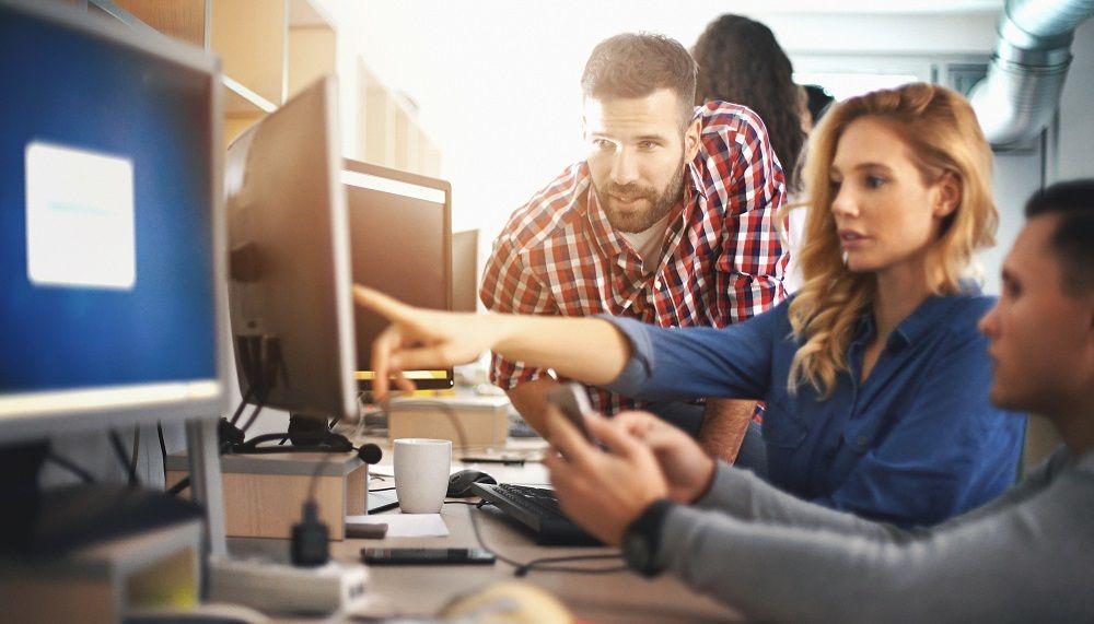 Die IT-Roadmap stellt sicher, dass Technologie in den Entscheidungsprozess des Managements miteinbezogen wird.